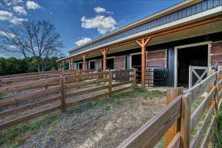 equine-post-frame-building