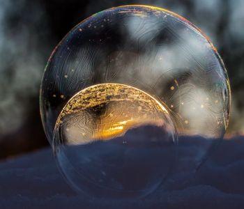 Seifenblasen gefroren