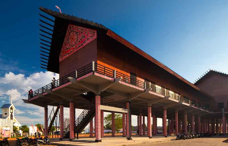 Rumah Radakng, Rumah Adat Kalimantan Barat Terbesar di Indonesia