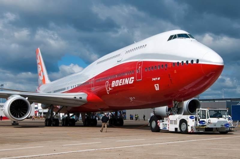 pesawat terbesar di dunia Boeing 747-8