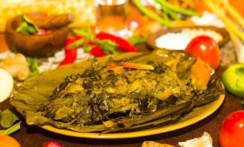ikan bungkus khas papua