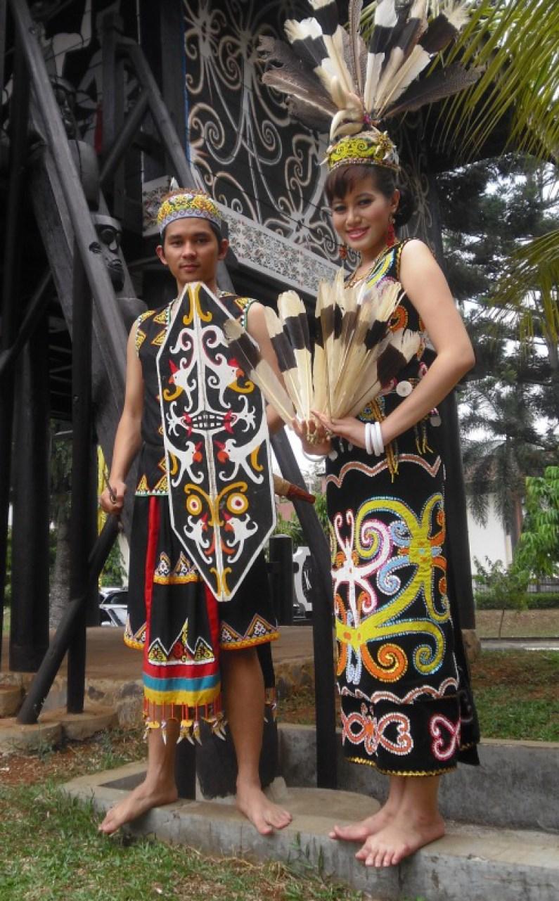 51 Foto Baju Adat Provinsi Kalimantan Timur Paling Keren