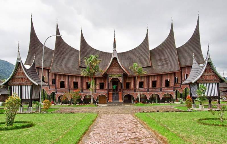 Rumah Gadang Gonjong Limo