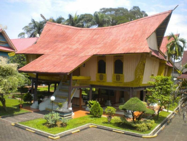 Rumah Melayu Atap Lontik