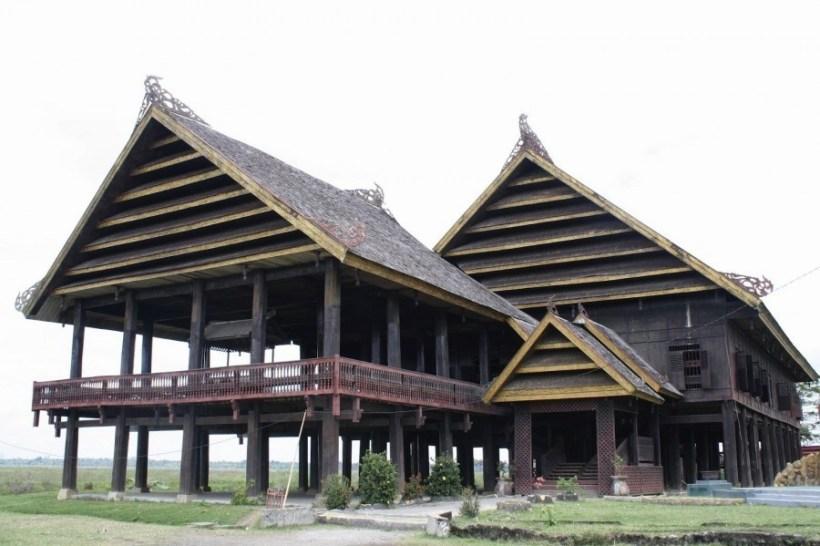 Rumah Adat Sulawesi Selatan Suku Bugis Keunikan Ciri Khas Gambar