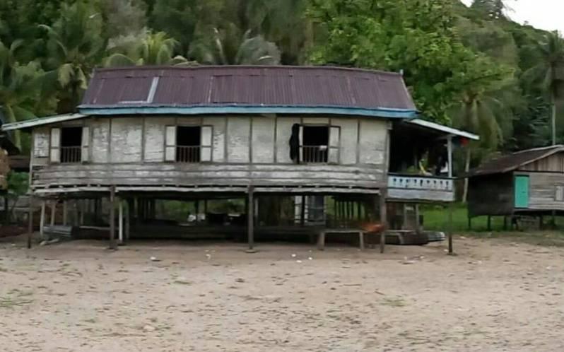 Rumah panggung Rakkeang adat sulsel