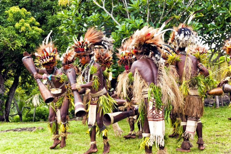 tarian suku asmat di festival