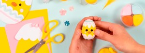 Kreative idéer til påskepynt, påskekyllinger til forårsgrene.