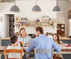 Madglæde smitter - børnene med i køkkenet
