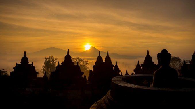 WISATA : Foto sunrise dari puncak Candi Borobudur Magelang (Foto:Internet)