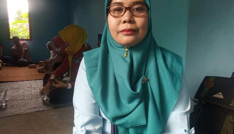 NEWS: Dwi Purnami warga Kecamatan Salam yang tidak akan menerika bantuan PKH lagi (16/1/2020)-(Foto: bsn)