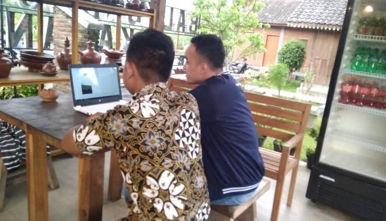 NEWS: Salah satu kegiatan PPMT Mahasiswa UM Magelang, lakukan pendampingan dan pelatihan digital marketing (Foto: advetorial)