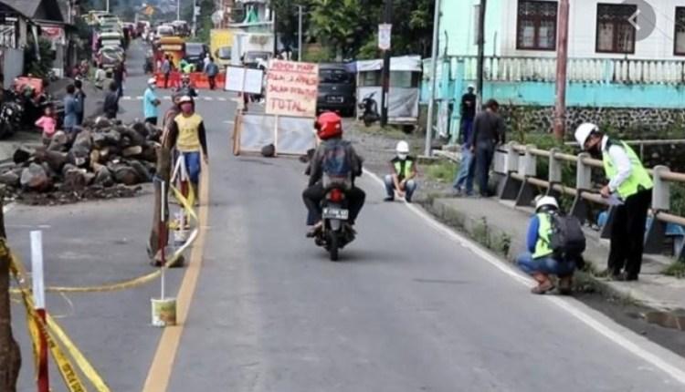 NEWS : Jalan Utama di Temanggung ini ditutup karena perbaikan jembatan (1/4/2020)-(Foto: Istimewa)