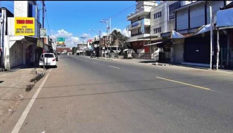 Kawasan Jalan Desa Krincing Secang sepi saat lebaran karena menjadi desa terbanyak pasien covid-19