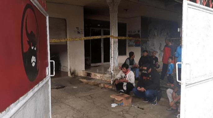 Kasus pelemparan bom molotov di Kantor PDIP Megamendung dan Cileungsi Bogor (foto : internet)