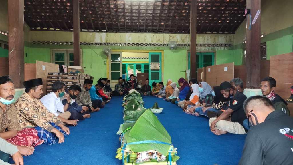 Warga Keningar merti dusun di Dusun Banaran (25/11/2020)--(Foto: istimewa)