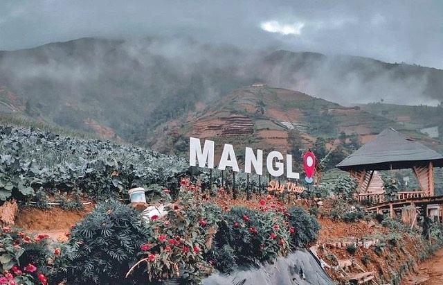 Salah satu spot foto di Mangli Sky View Kaliangkrik (Foto: @firliparliningtyas )