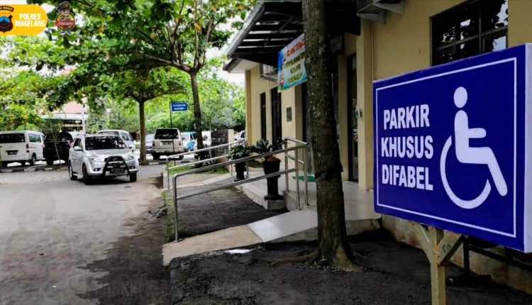 Lokasi parkir khusus difabel dan saranan prasarana lain tersedia di Mako Polres Magelang