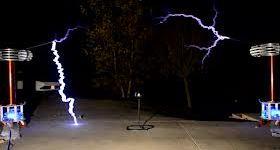 Bobinas Tesla musicales versionando a Lynyrd Skynyrd