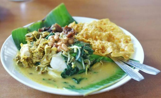 Resep Makanan Khas Bali yang Terkenal adalah Tipat Blayag