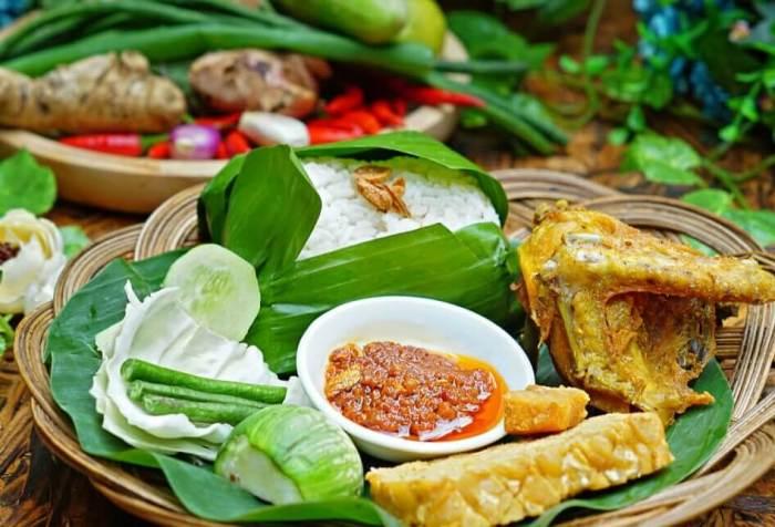 Makanan Khas Bandung Nasi Timbel