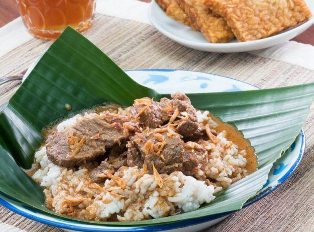 Makanan Khas Jawa Tengah Nasi Gandul