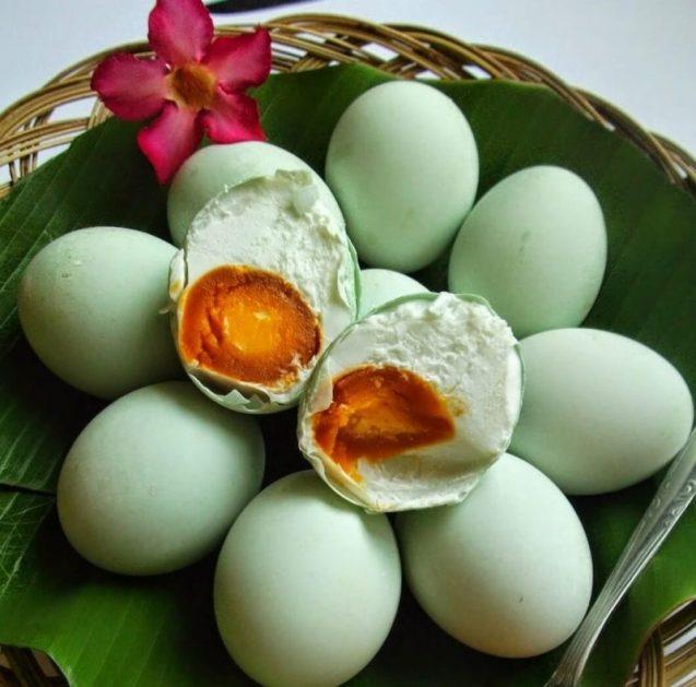 Oleh oleh Makanan Khas Jawa Tengah Brebes Telur Asin