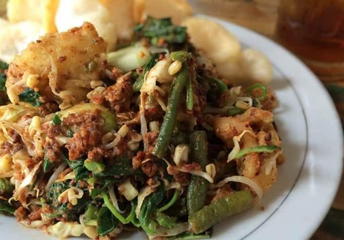 Resep Makanan Khas Sunda Bandung dari Sayuran Lotek
