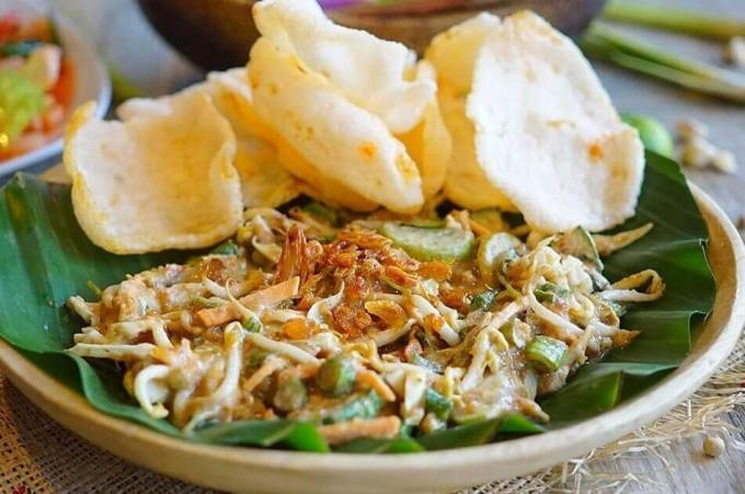 Makanan Khas Cilacap Karedok