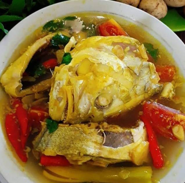 Makanan Khas Papua Bandeng Kuah Kuning