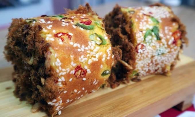 Oleh oleh Makanan Khas Papua Roti Abon Gulung