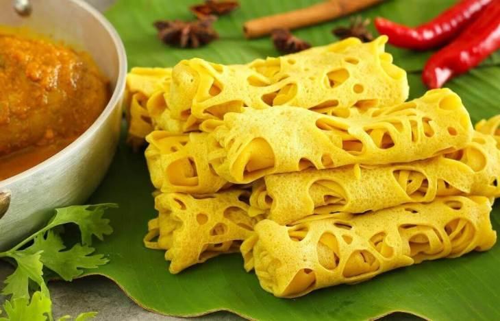 Makanan Khas Melayu Roti Jala Kari Ayam