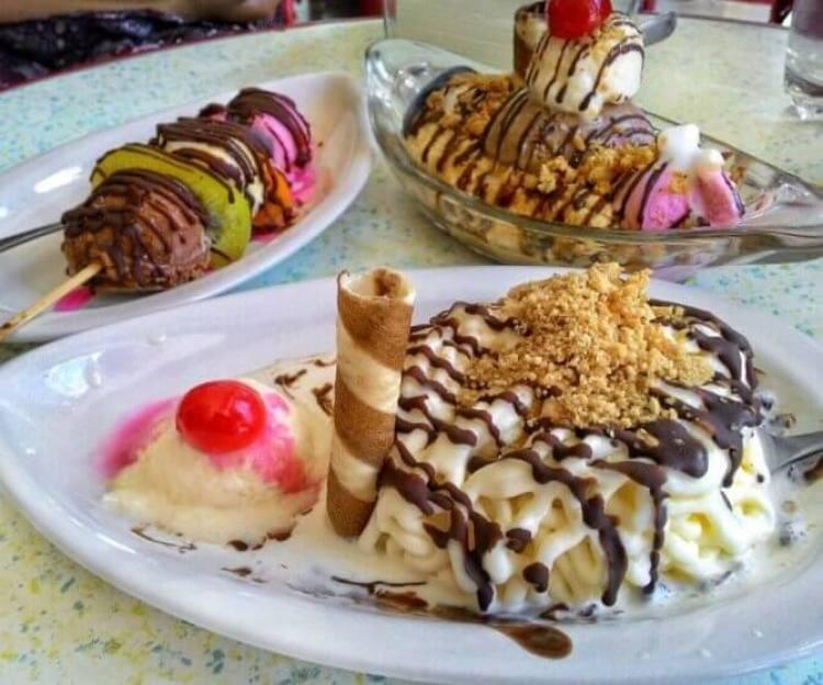 5 Makanan Khas Surabaya yang Enak Zangrandi Ice Cream