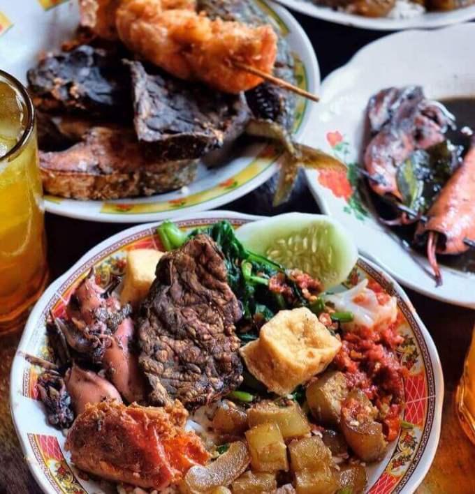 Makanan Khas Banyuwangi Sego Tempong