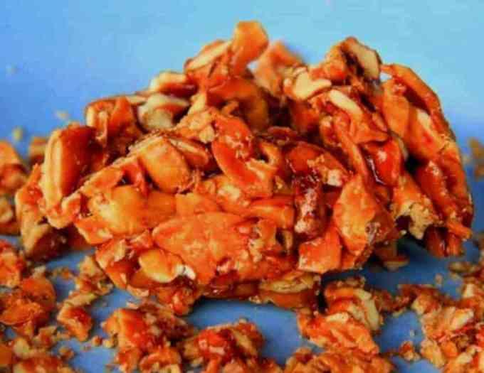 Makanan Khas Maluku Utara Halua Kenari