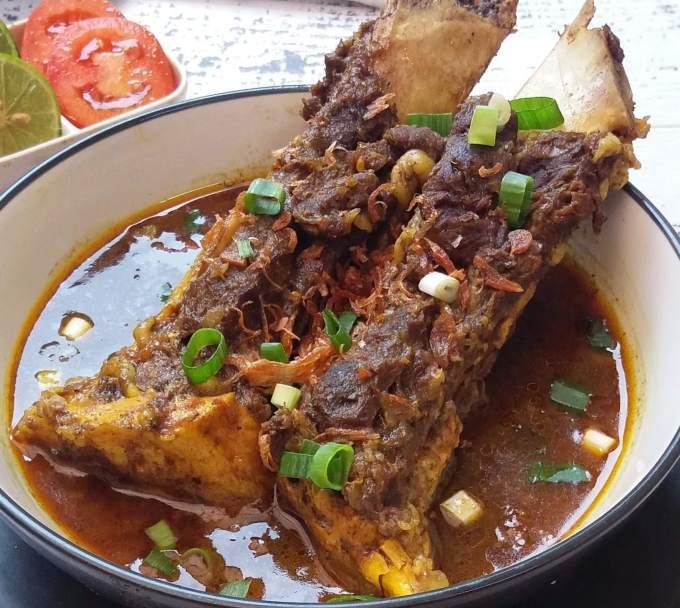 Makanan Khas Sulawesi Selatan Sup Konro