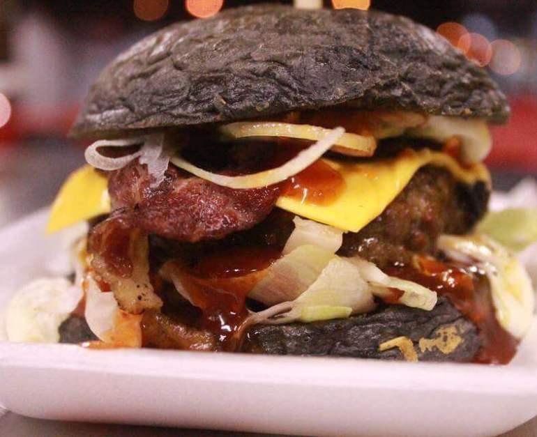 Makanan Khas Malaysia Burger Bakar