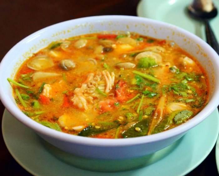 Nama Makanan Khas Thailand Tom Yum