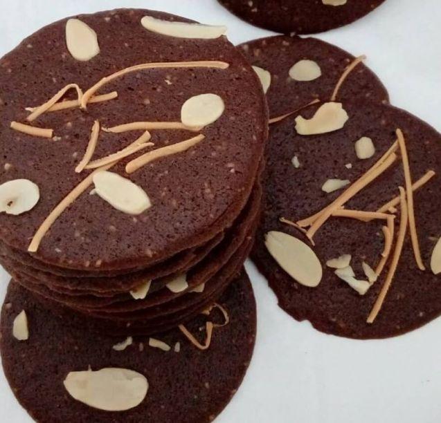 Almond Crispy Coklat