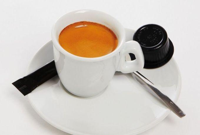 Minuman dan Makanan Khas Italia Caffe Lungo