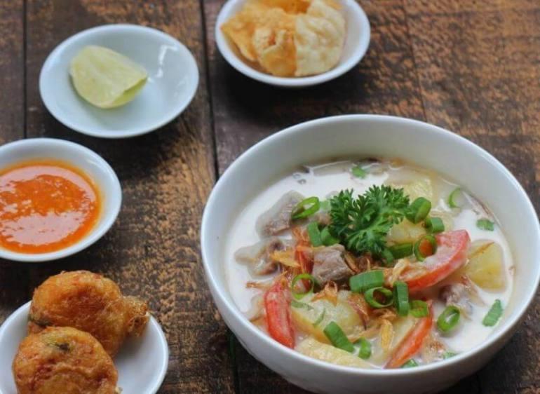 Makanan Khas Daerah Soto Betawi
