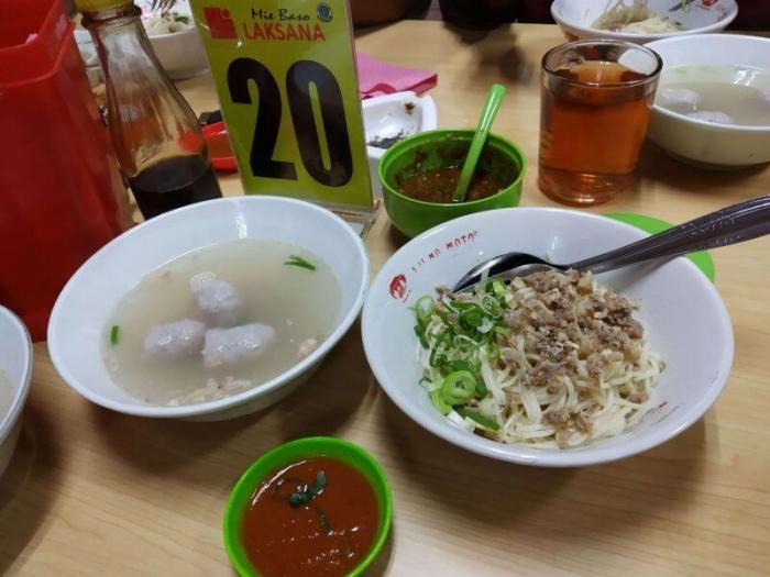 Makanan Khas Tasikmalaya Mie Baso Laksana