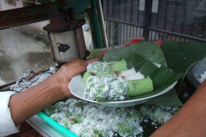 makanan khas bojonegoro klepon