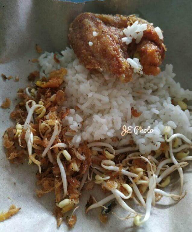 makanan khas kuningan kota Bandung Jawa Barat nasi kasreng