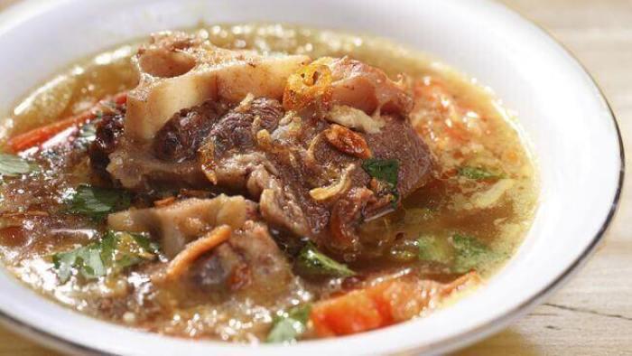 Makanan Khas Kuningan Kota Bandung Jawa Barat sop iga buntut bakar