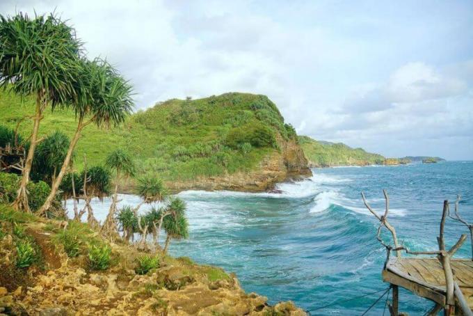 Objek Wisata Pantai Kosakora Wonosari