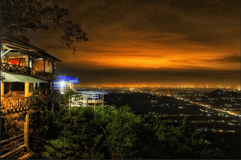 Tempat Wisata di Jogja Malam Bantul Hutan Pinus Pengger Dlingo