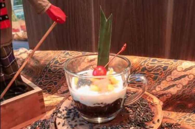 Nama Makanan Khas Karawang Kue Gonjing - Bosmeal.com
