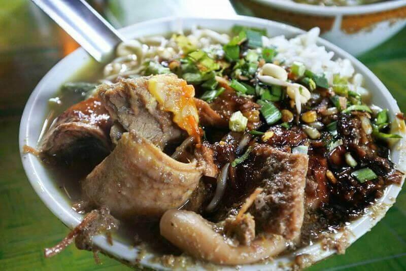 Makanan Khas Blitar Soto Daging Bok Ireng