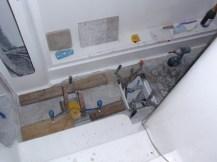 Poer hull floor